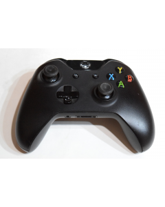 sd605667293_wireless_controller_black_microsoft_1697_for_xbox_one_console_video_game_system.png